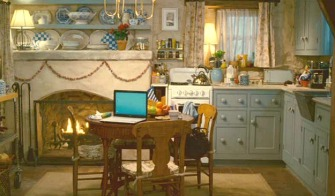 Cottage-kitchen-decorated-for-Christmas-The-Holiday-movie